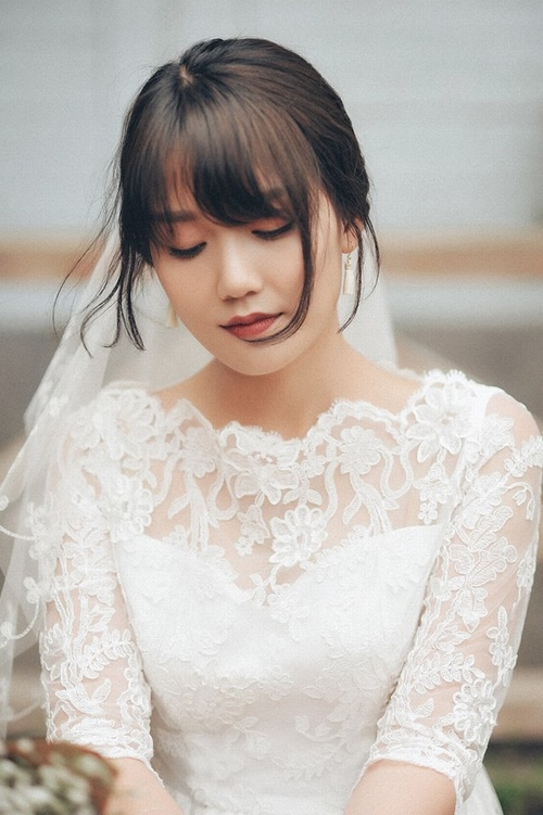"""Nhiều hot girl """"thua"""" nhan sắc vợ mới cưới của MC Trần Ngọc - 5"""