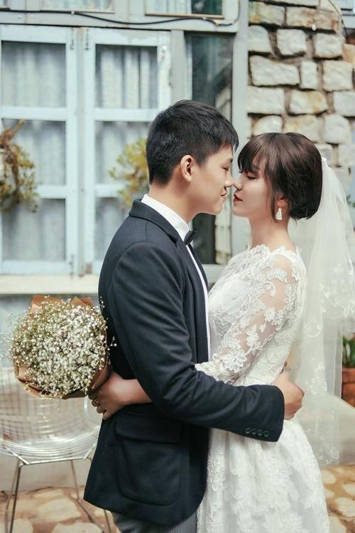"""Nhiều hot girl """"thua"""" nhan sắc vợ mới cưới của MC Trần Ngọc - 12"""