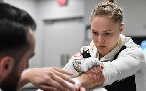 Chi tiết Ronda Rousey - Amanda Nunes: Tấn công vũ bão (KT) - 8