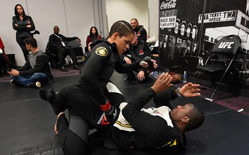 Chi tiết Ronda Rousey - Amanda Nunes: Tấn công vũ bão (KT) - 7