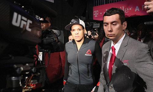 Chi tiết Ronda Rousey - Amanda Nunes: Tấn công vũ bão (KT) - 4