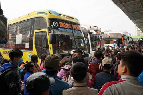 Vụ xe bến Mỹ Đình bỏ khách: Nhà xe muốn đối thoại với Chủ tịch HN - 3