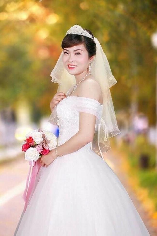 Cô dâu mới của danh hài Chiến Thắng tên là Thu Ngọc, nhưng ở nhà thường gọi là Điểm. Cô sinh năm 1990, hiện đang là giáo viên mầm non tại Phú Thọ.