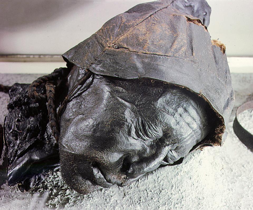 Bí ẩn loạt xác ướp 2.000 năm vẫn nguyên da và nội tạng - 5