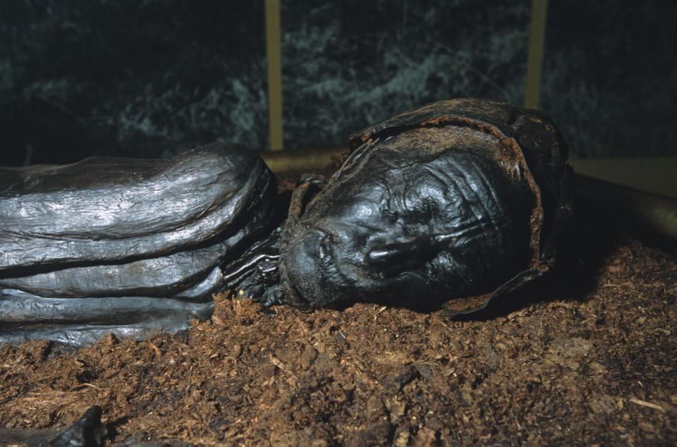 Bí ẩn loạt xác ướp 2.000 năm vẫn nguyên da và nội tạng - 6