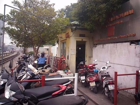 """Gác tàu thu vé xe """"cắt cổ"""" trước cổng BV Bạch Mai - 3"""