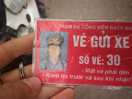 """Gác tàu thu vé xe """"cắt cổ"""" trước cổng BV Bạch Mai - 4"""