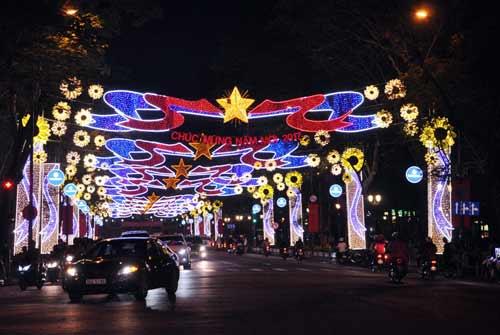 Kinh đô ánh sáng ở Sài Gòn chào đón năm mới 2017 - 3