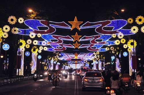 Kinh đô ánh sáng ở Sài Gòn chào đón năm mới 2017 - 1