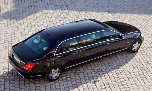 """Siêu xe chống đạn của Tổng thống Putin rao bán giá """"khủng"""" - 7"""