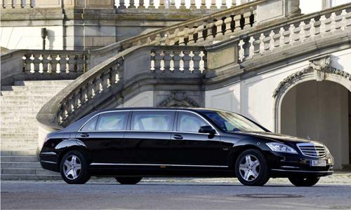 """Siêu xe chống đạn của Tổng thống Putin rao bán giá """"khủng"""" - 6"""