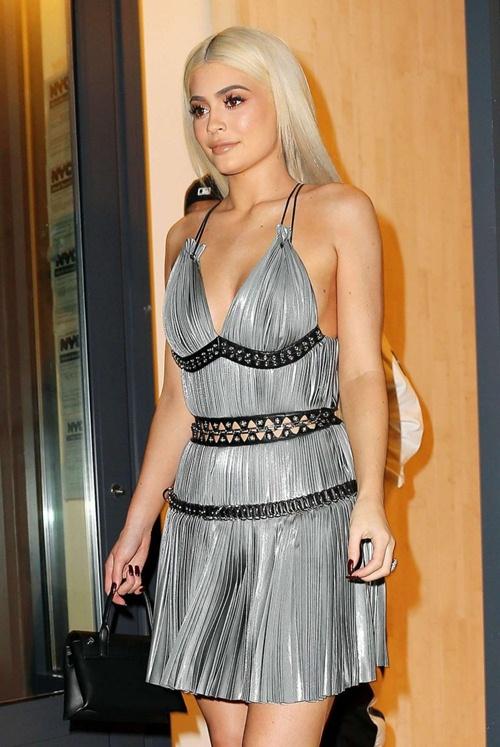 Đây là người đẩy Kylie Jenner lên đỉnh cao Hollywood - 1