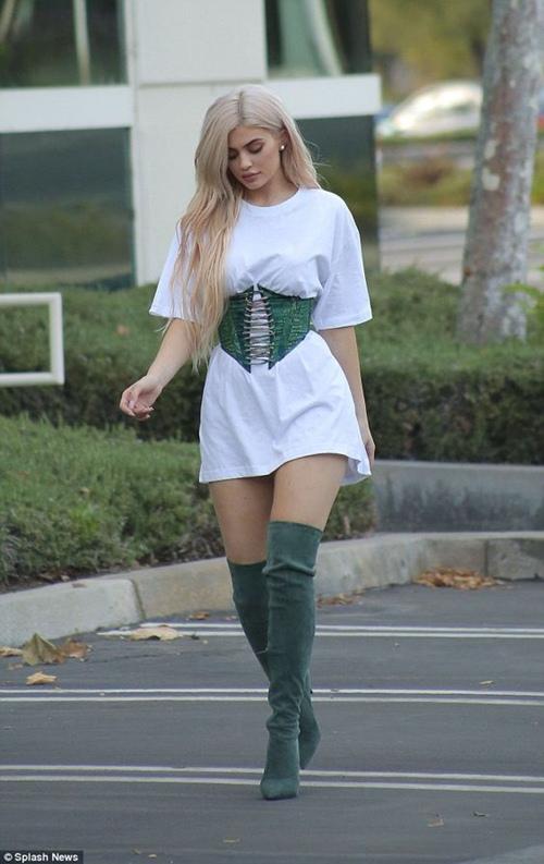 Đây là người đẩy Kylie Jenner lên đỉnh cao Hollywood - 6