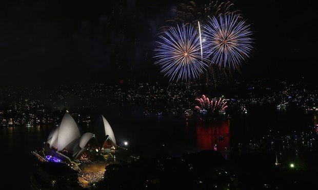 Pháo hoa rực trời tại nơi đón 2017 sớm nhất thế giới - 4