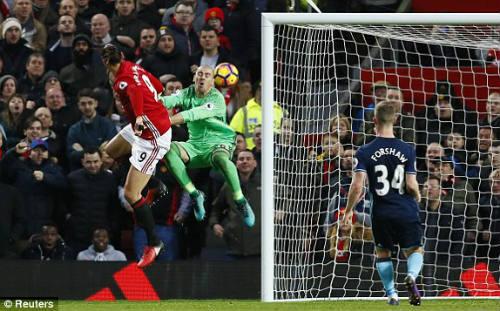 """MU - Middlesbrough: Ngược dòng """"nghẹt thở"""" trong 1 phút - 1"""