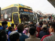 Tin tức trong ngày - Mặc nhà xe ở bến Mỹ Đình bỏ khách, Hà Nội vẫn quyết chuyển tuyến