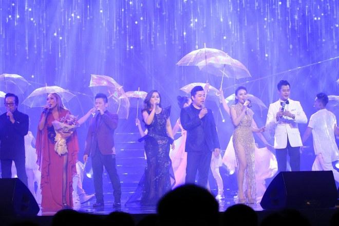 """MC Kỳ Duyên """"dê"""" Quang Dũng bằng thơ trên sân khấu - 15"""