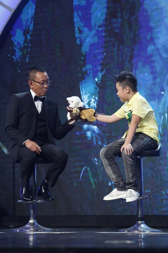 """MC Lại Văn Sâm bị cậu bé 10 tuổi phê bình vì """"tư duy thiếu logic"""" - 2"""