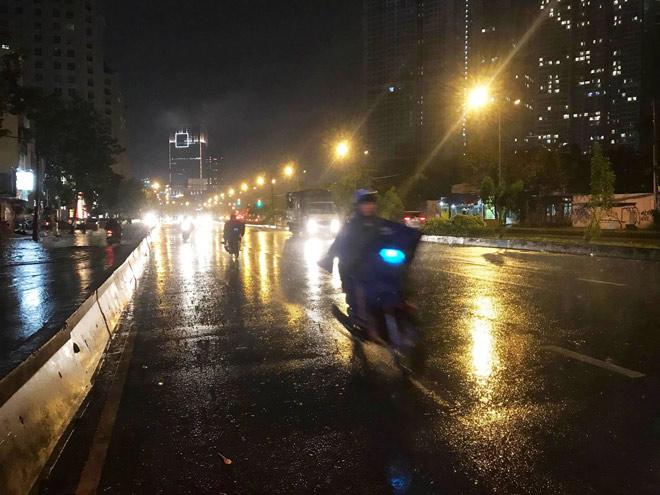 Vì sao mưa ngập đường, xe chết máy mới vận hành siêu máy bơm? - 5