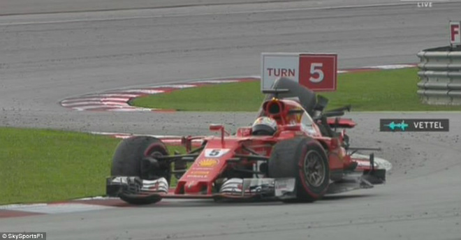 F1: Malaysian GP – Hamilton ôm hận, sinh nhật ngọt ngào cho Verstappen - 3