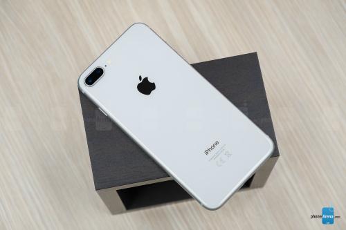 Đánh giá iPhone 8 Plus: Mạnh mẽ, nhưng... lạc hậu - 3