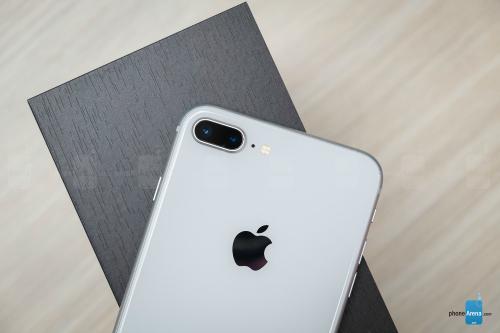 Đánh giá iPhone 8 Plus: Mạnh mẽ, nhưng... lạc hậu - 11