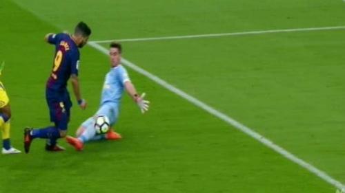 Chi tiết Barcelona - Las Palmas: Suarez mừng hụt cuối trận (KT) - 6