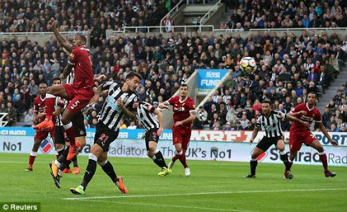 Chi tiết Newcastle - Liverpool: Nỗ lực vô vọng (KT) - 3