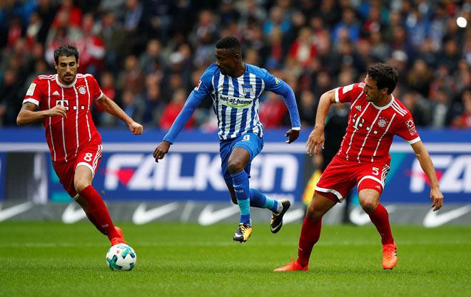 Hertha Berlin - Bayern Munich: Sa thải Ancelotti vẫn dính thảm họa - 1