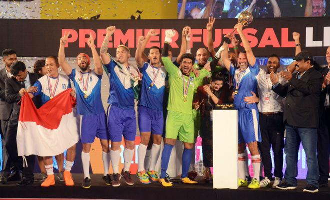 Vùi dập đội Ronaldinho, đội Giggs lên ngôi vô địch Futsal Ngoại hạng - 1