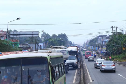 BOT tuyến tránh Biên Hòa lại kẹt xe vì… tiền lẻ - 3