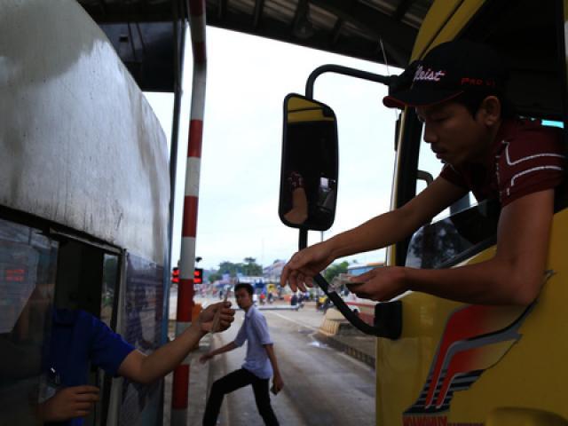 BOT tuyến tránh Biên Hòa lại kẹt xe vì… tiền lẻ