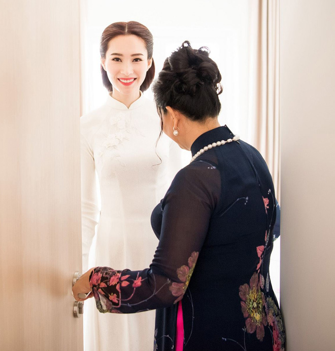 Hoa hậu Thu Thảo đẹp tựa tiên nữ trong lễ ăn hỏi bí mật - 6