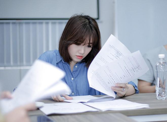Mặc scandal của chồng, Hari Won vẫn tươi hết cỡ khi đóng phim - 6
