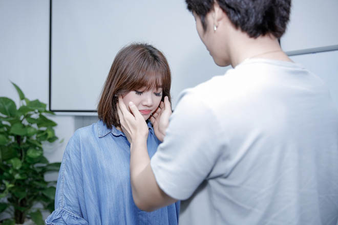 Mặc scandal của chồng, Hari Won vẫn tươi hết cỡ khi đóng phim - 5