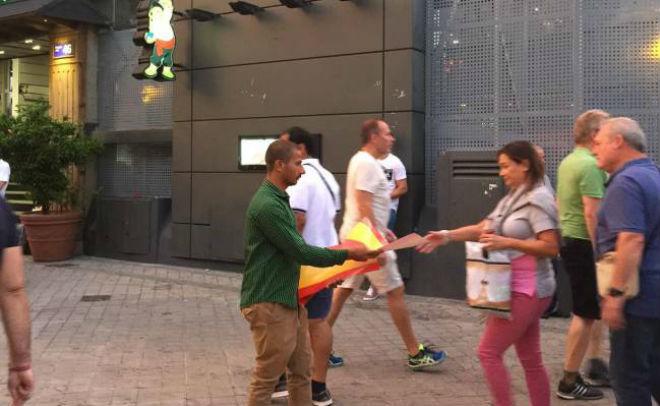 """Catalunya đòi độc lập: Triệu fan Real """"khủng bố"""", Barca-Messi """"vô gia cư"""" - 1"""
