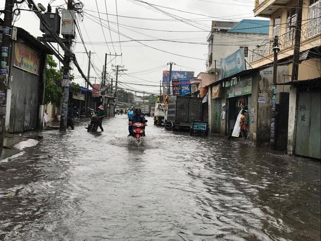 """TP.HCM đến bao giờ hết """"mưa dầm"""" như miền Trung? - 2"""