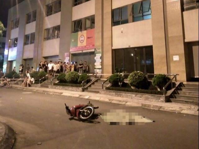 Tin mới vụ cô gái trẻ rơi từ tầng 25 suýt trúng người đi xe máy