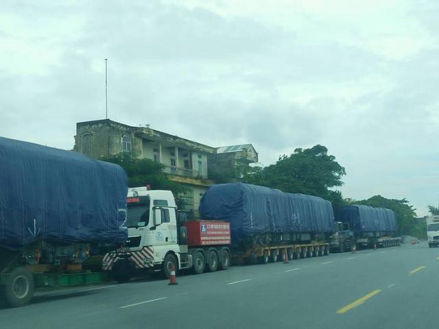 Đoàn tàu Cát Linh- Hà Đông tiếp tục về đến Hà Nội trong đêm