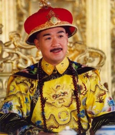 """Vua Càn Long của """"Tể tướng Lưu gù"""": Đời cha mẫu mực, đời con bất trị_ - 1"""