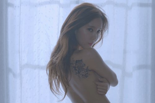 Loạt mỹ nữ hàng đầu xứ sở Kim Chi cởi đồ, lộ hình thể đẹp không tỳ vết - 3