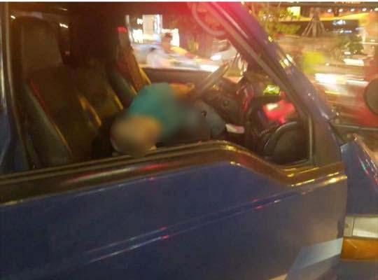 HN: Người đàn ông tử vong trên vô lăng xe tải chở đầu lân - 1