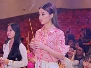 Hoa hậu Đỗ Mỹ Linh xin Tổ ban lộc ở cuộc thi Hoa hậu Thế giới