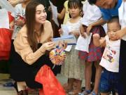 Ca nhạc - MTV - Hà Hồ giản dị tặng quà trung thu cho trẻ em nghèo