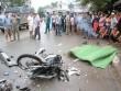Xe máy nát tanh bành sau cú đối đầu với xe tải, 2 người tử vong