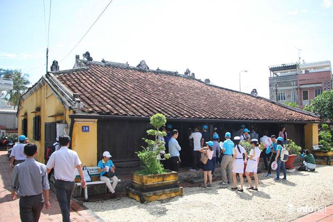 Cận cảnh nhà cổ toàn bằng gỗ quý, nguyên vẹn sau 127 năm - 16