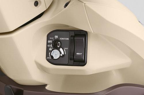 Cận cảnh Honda Vision 110cc màu mới giá 29,99 triệu đồng - 3