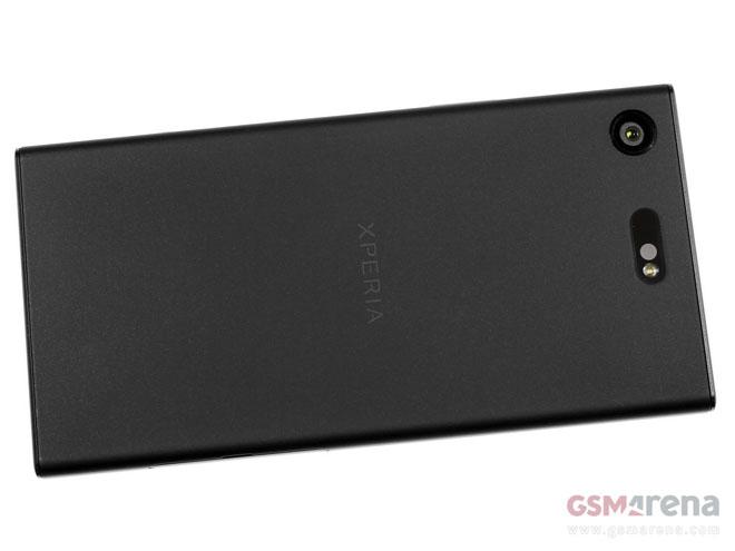 """Đánh giá chi tiết Sony Xperia XZ1 Compact: Bé """"hạt tiêu"""" - 3"""