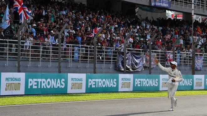 Đua xe F1: Niềm vui kép ngay trên thánh địa của kình địch - 3