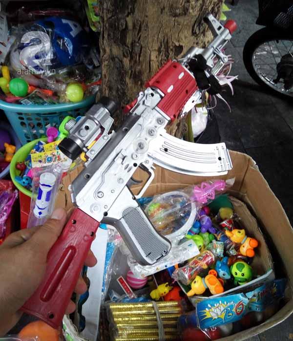 Những loại đồ chơi độc hại không nên cho trẻ sử dụng - 2